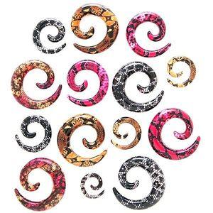 Expander pentru ureche – spirală, model piele de şarpe - Lățime: 10 mm, Culoare Piercing: Negru - K imagine