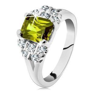 Inel de culoare argintie, zirconiu dreptunghiular de culoare verde, zirconii transparente - Marime inel: 49 imagine