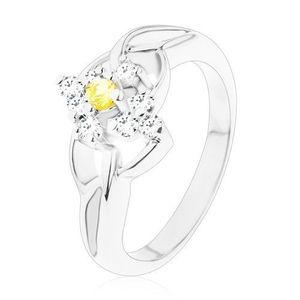 Inel de culoare argintie cu un zirconiu rotund de culoare galbenă, margine din zirconii transparente - Marime inel: 49 imagine
