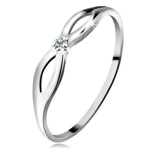 Inel realizat din aur alb de 14K cu diamant transparent strălucitor, braţe lucioase cu decupaje - Marime inel: 49 imagine
