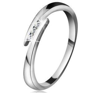 Inel din aur alb 14K - brațe subțiri și lucioase, trei diamante strălucitoare și transparente - Marime inel: 49 imagine