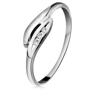 Inel din aur alb 14K - frunze ușor curbate, trei diamante transparente - Marime inel: 49 imagine