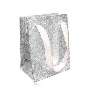 Bijuterii eshop - Pungă de cadou, suprafață structurată, argintie, panglici GY57 imagine
