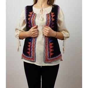 Vesta brodata cu model traditional Ema imagine