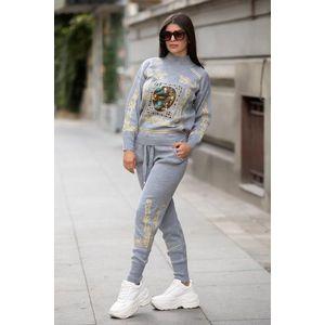 Trening dama din tricot gri cu bluza pe gat si model Tablou imagine